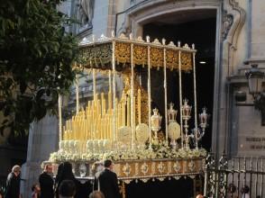 Socha Nepoškvrnenej Panny Márií, Matky Cirkvi, ktorá bola tiež súčasťou procesie v uliaciach Madridu.